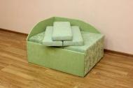 Кубик, диван в ткани ренесанс грин и соло грин
