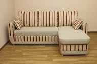 Татьяна, угловой диван в ткани пегасус комби бордо и черва 01