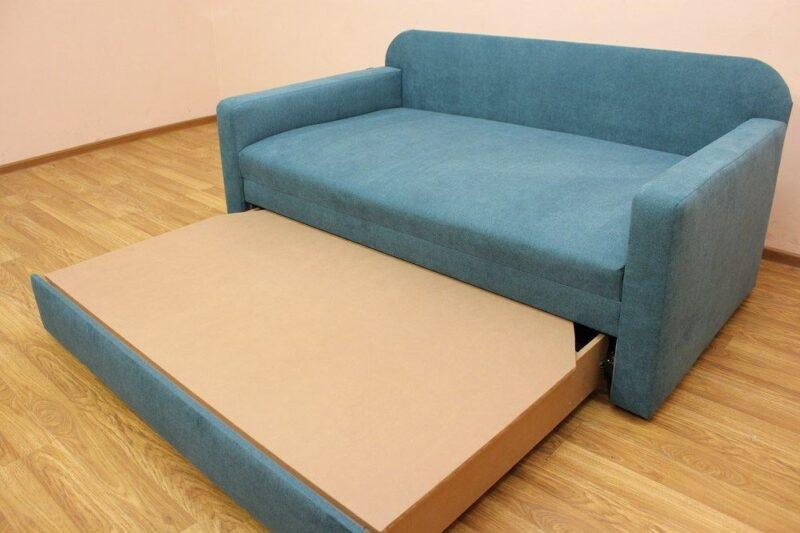 Глостер, диван