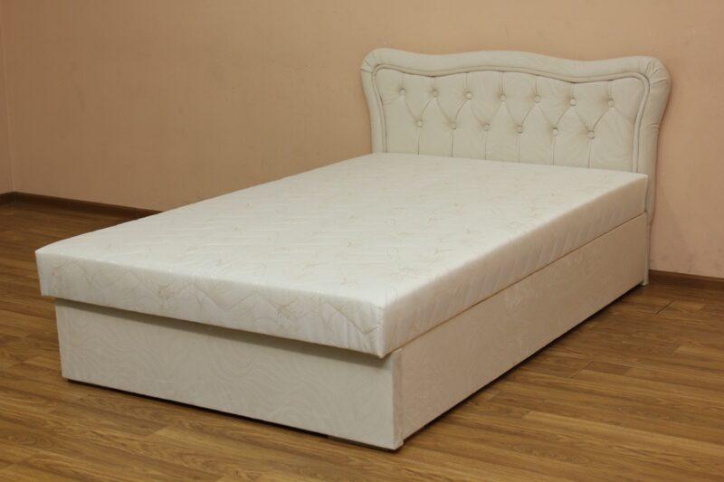 Ева, кровать